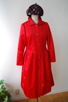 着物リメイク・雨コートから真っ赤な女優コート_d0127925_16561693.jpg