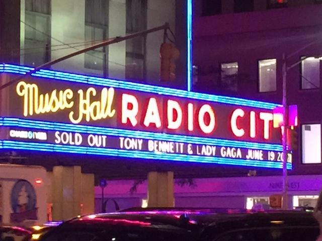 ニューヨーク4 「トニー・ベネット&レディー・ガガ」のコンサート_c0189469_21283251.jpg