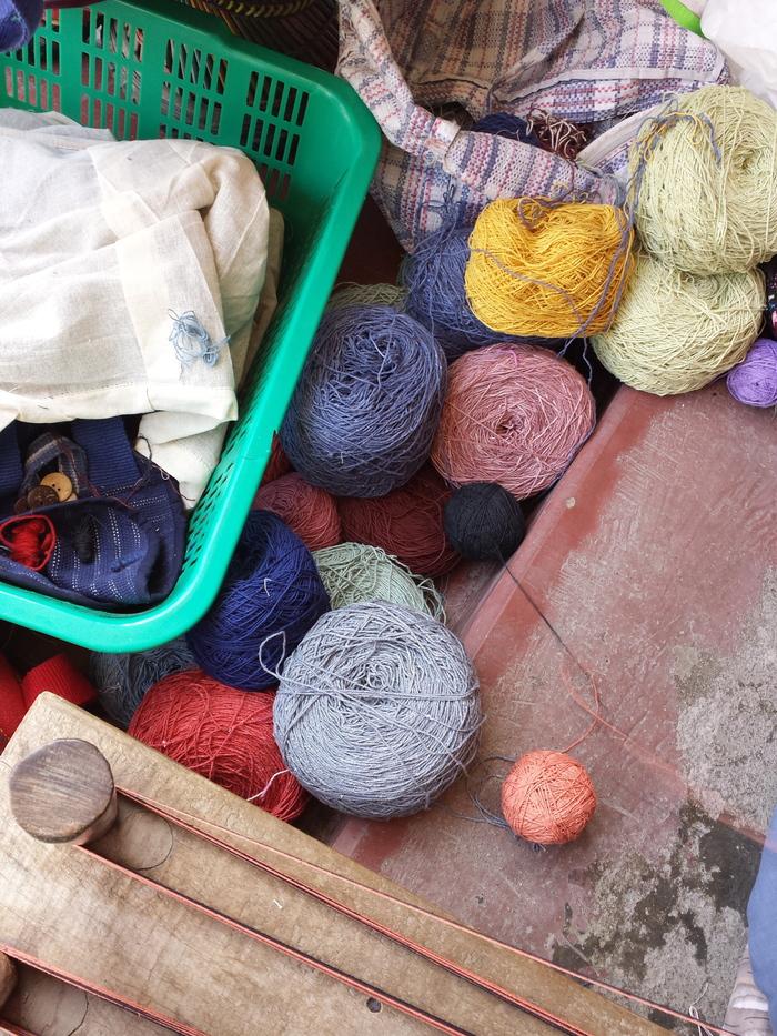 ネパールの織物工房見学_e0155231_14155618.jpg