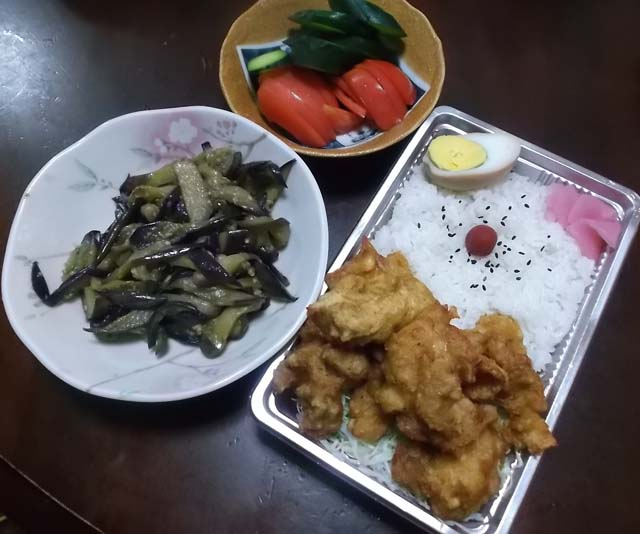 鶏から揚げ弁当470円_f0019498_1802048.jpg