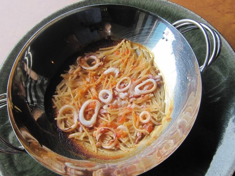 7月の料理「フィデウワ」_d0177560_22575218.jpg