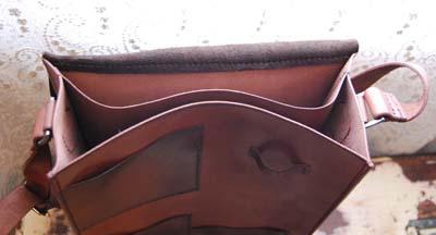 鹿革と牛革のコンビ 斜めがけバッグ_f0155891_1431519.jpg