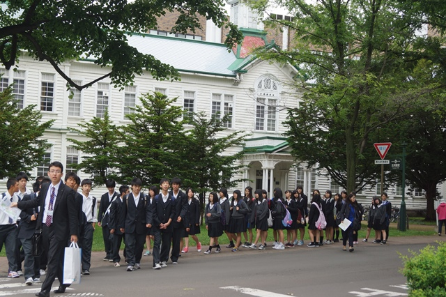 北海道大学は観光地でもあり、文化伝承の施設、大学を観光に生かせ!!_d0181492_1445755.jpg