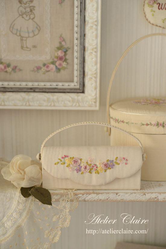花刺繍のカルトナージュで眼鏡ケース_a0157409_07530224.jpg