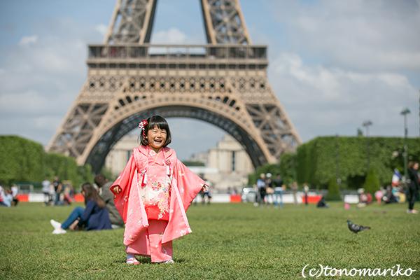大好きなエッフェル塔の前で、3歳の七五三_c0024345_23303397.jpg