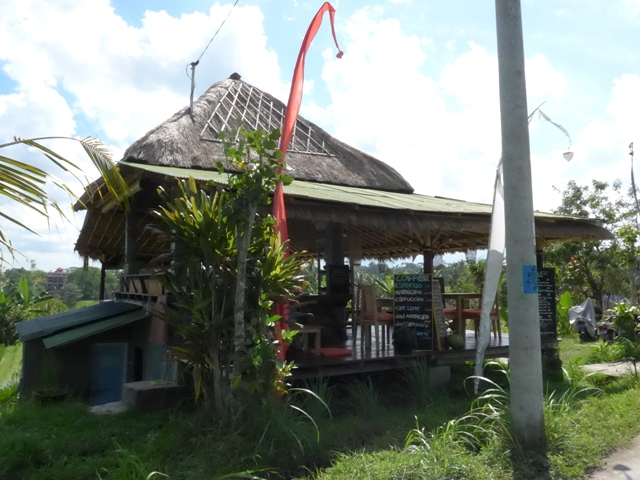バリ島へ行く。⑫ ~ワルン・ボダッ・マリアへの道~_f0232060_10253655.jpg