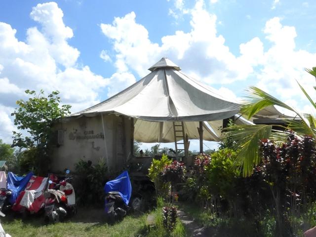 バリ島へ行く。⑫ ~ワルン・ボダッ・マリアへの道~_f0232060_1027434.jpg