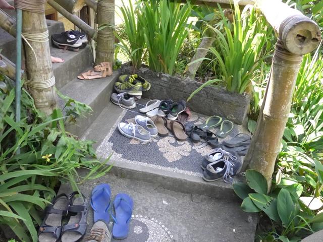 バリ島へ行く。⑫ ~ワルン・ボダッ・マリアへの道~_f0232060_1032394.jpg