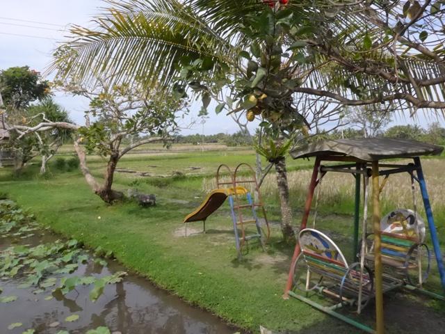 バリ島へ行く。⑭ ~ブランコと蓮の池があるカフェ~_f0232060_11474669.jpg