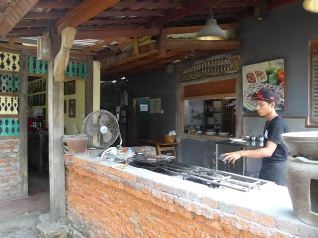 バリ島へ行く。⑭ ~ブランコと蓮の池があるカフェ~_f0232060_1151581.jpg