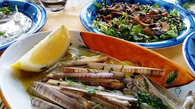 アマルフィ海岸の隠れ家レストラン_e0224461_2305177.jpg