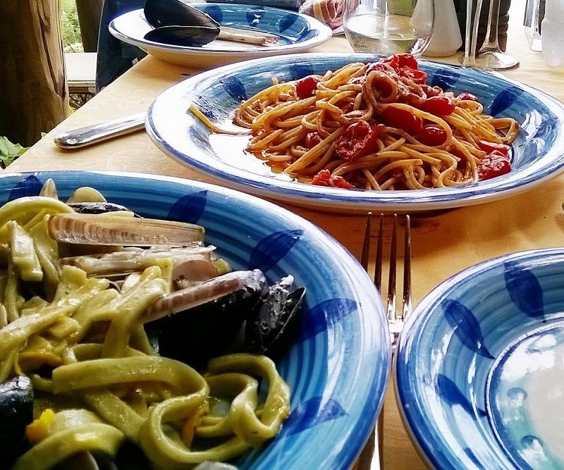 アマルフィ海岸の隠れ家レストラン_e0224461_2393033.jpg