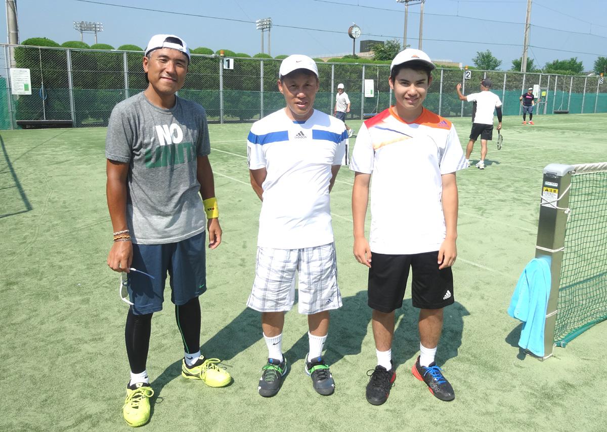 東金テニスクラブの練習会に珍しいビジター_b0114798_17492518.jpg