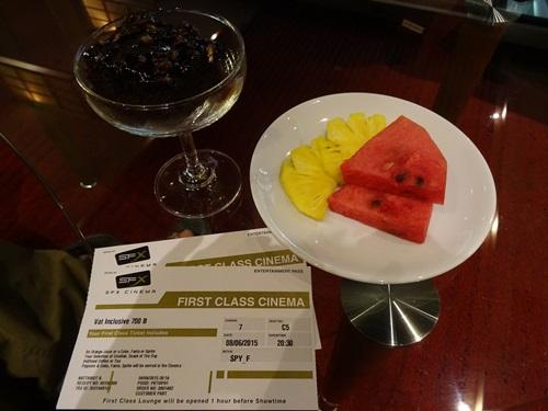ホテルの食事より美味しかった☆プーケット旅行最終日_e0182138_16574330.jpg
