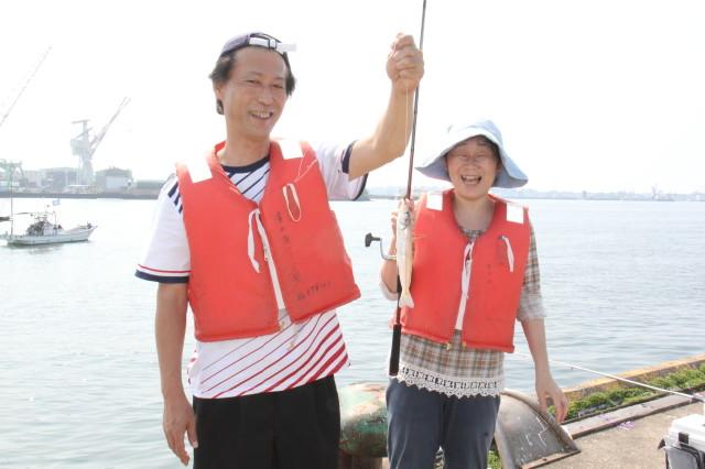 日の出埠頭解放釣りフェスタ好天・好漁!!_f0175450_16442469.jpg