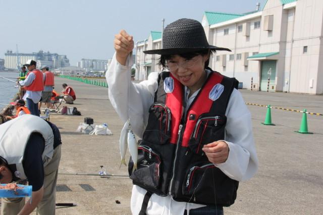 日の出埠頭解放釣りフェスタ好天・好漁!!_f0175450_16444666.jpg