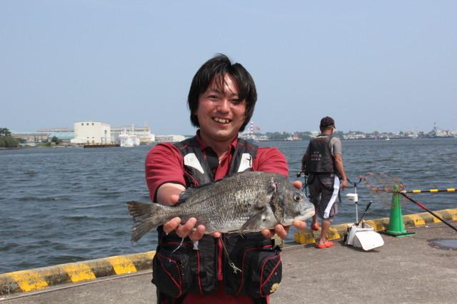 日の出埠頭解放釣りフェスタ好天・好漁!!_f0175450_16451950.jpg