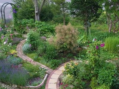 ラベンダーと庭の花_e0326953_13445511.jpg