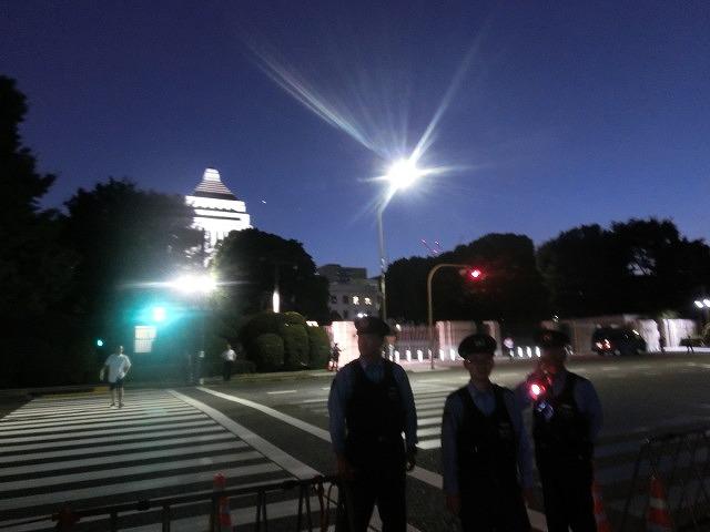 シールズ(SEALDs)の国会前集会に参加 「解釈改憲、絶対反対」_f0141310_7274063.jpg
