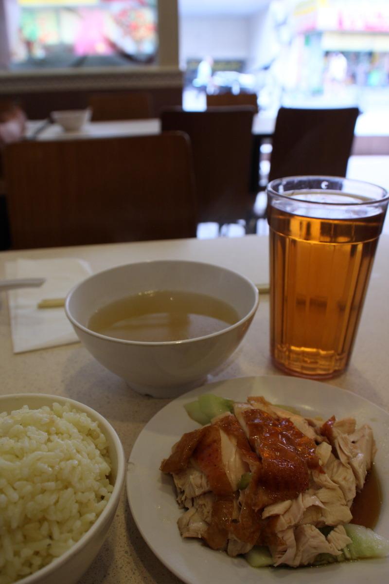 クアラルンプール  老舗「南香」で海南鶏飯_b0061717_0321355.jpg