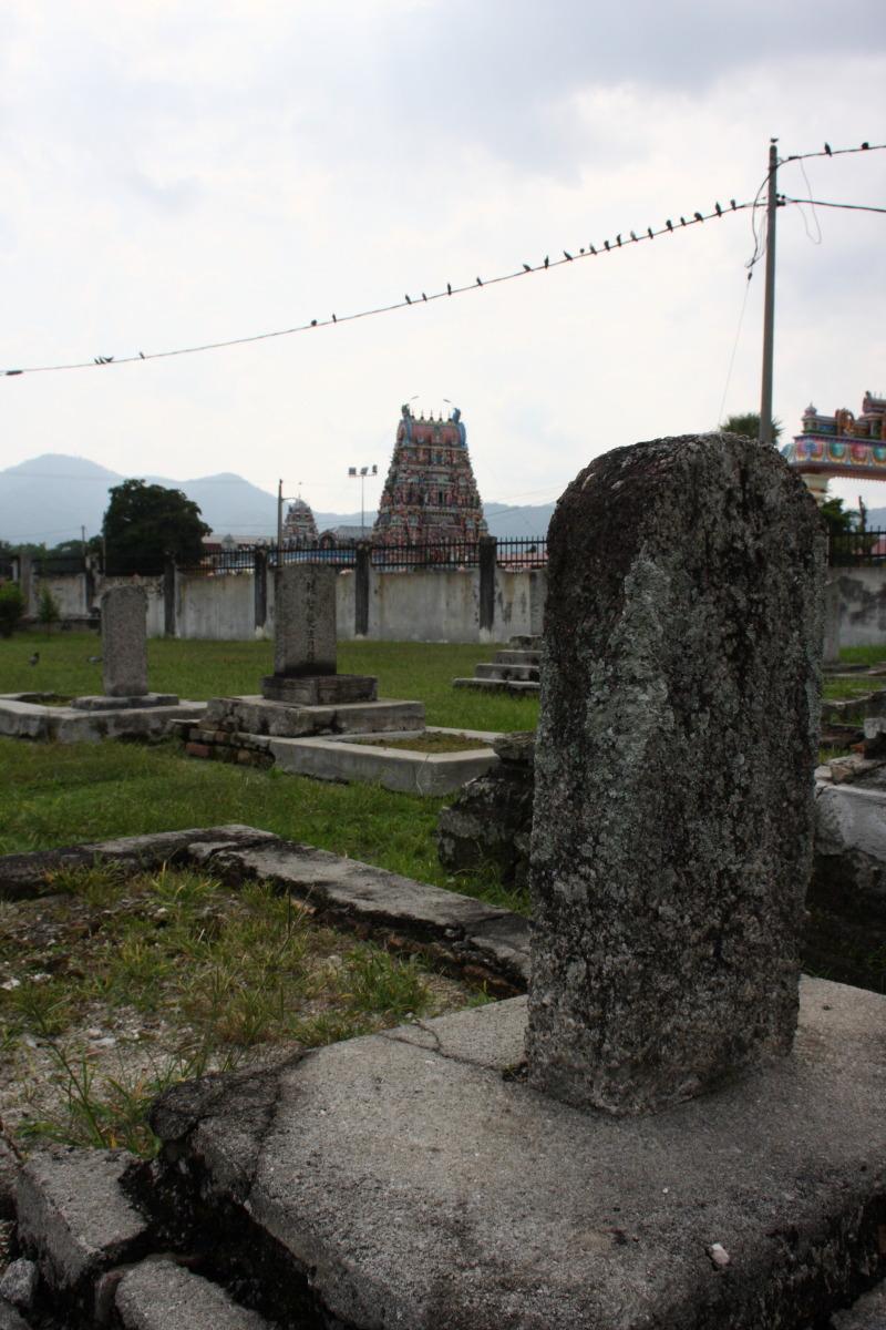 イポー  日本人墓地、「からゆきさん」の墓標_b0061717_23165155.jpg