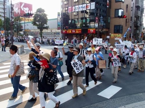 「戦争はいや!市民パレード」に350人余が参加_b0190576_23380825.jpg