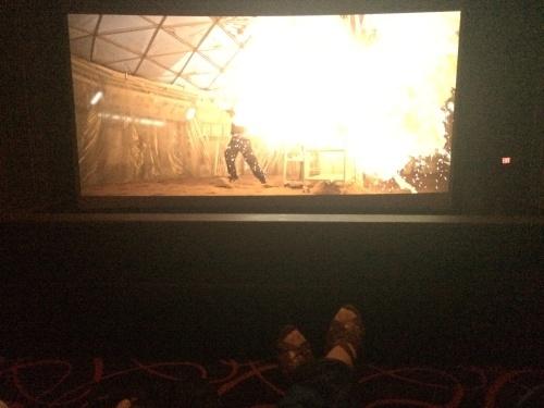 映画館の席が、いつの間にかこんなにゴージャスに・・・_d0240098_09152717.jpg