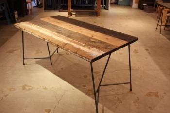 味のある足場板でテーブル作り!_d0237564_18412741.jpg