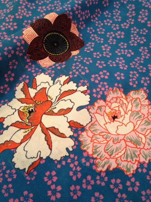 赤薔薇・市松に菊・水色桜着物♪販売商品45_c0321302_18234549.jpg