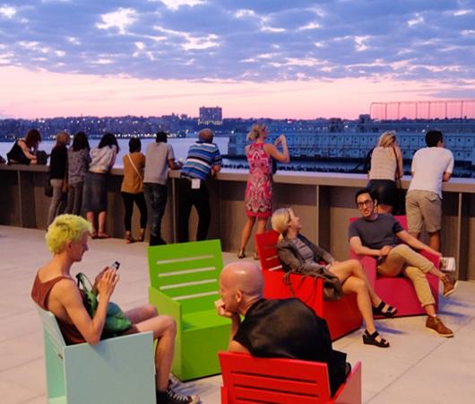 NYの新しい夜景スポット、ホイットニー美術館の屋外スペース_b0007805_12442678.jpg