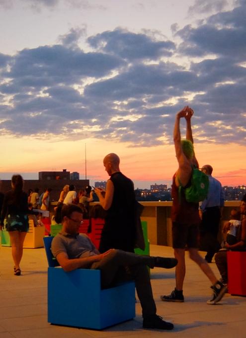 NYの新しい夜景スポット、ホイットニー美術館の屋外スペース_b0007805_1246518.jpg