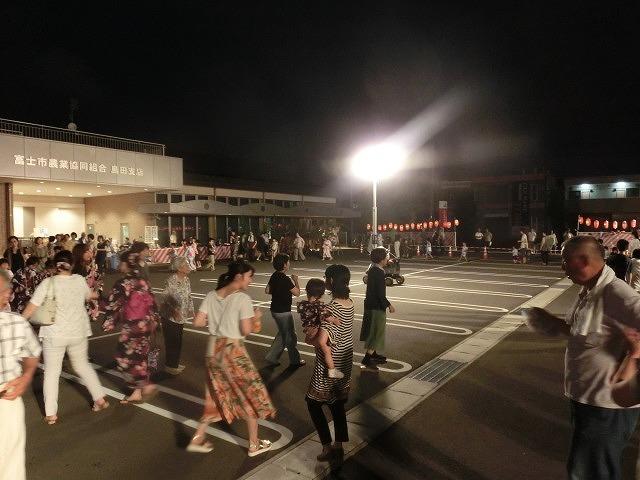 新しいJA島田支店駐車場で行われた津田・荒田島の「てんのさん」_f0141310_7354490.jpg
