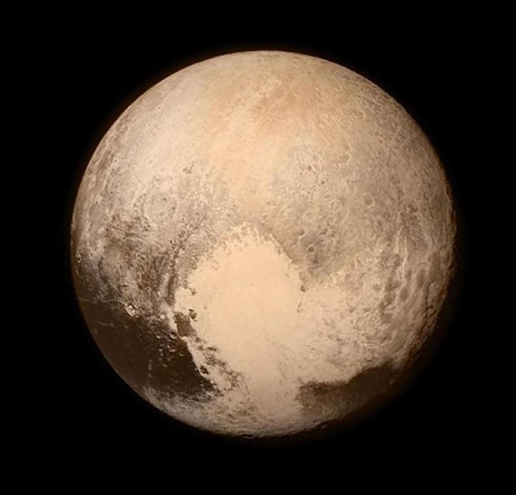最新冥王星映像が語る「冥王星ガガは月とそっくり」2:NASAのネガポジ疑惑?_e0171614_726273.jpg
