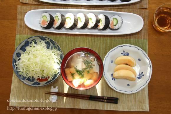 出勤の朝の巻き寿司定食_c0326245_11283910.jpg