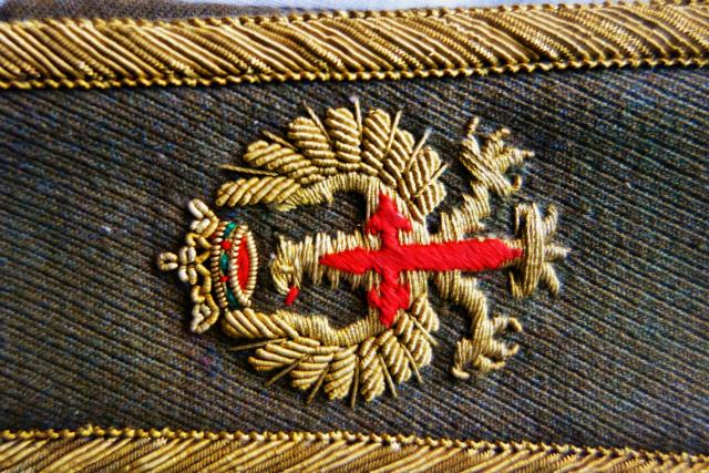 スペイン軍服肩章_f0112550_23294765.jpg