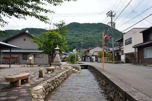 塩津街道(海道)を行く_e0164563_9311751.jpg