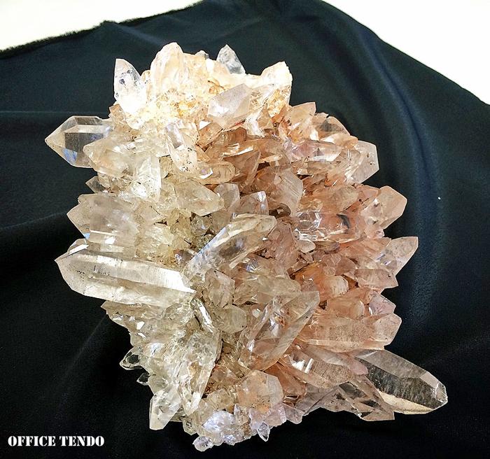 インド(バルギ産)ヒマラヤ水晶クラスター/No.3_c0111102_2244157.jpg