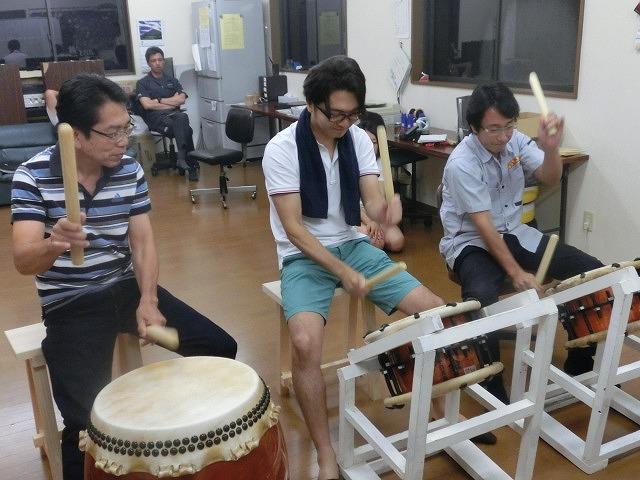 駿河台三丁目の「てんのさん」(天王祭)に向けて太鼓の練習が最高潮_f0141310_7371923.jpg
