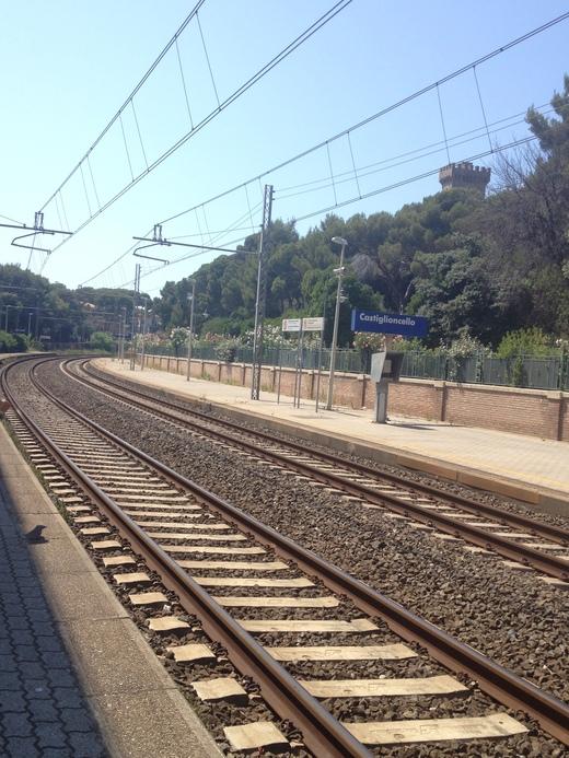 イタリアの車窓から カスティリオンチェッロ-ピサ中央駅_a0136671_0341524.jpg