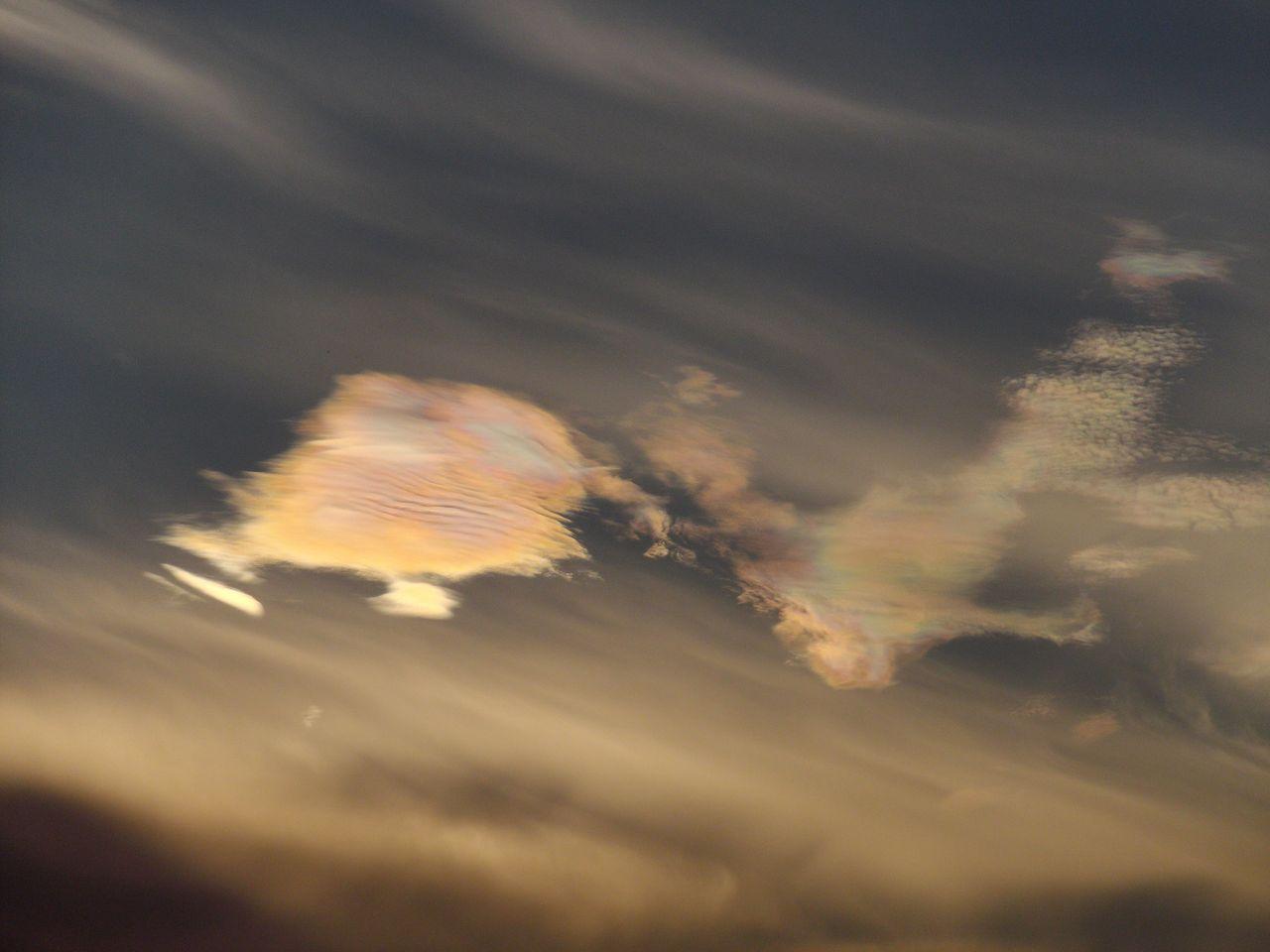 彩雲?_c0025115_19472248.jpg