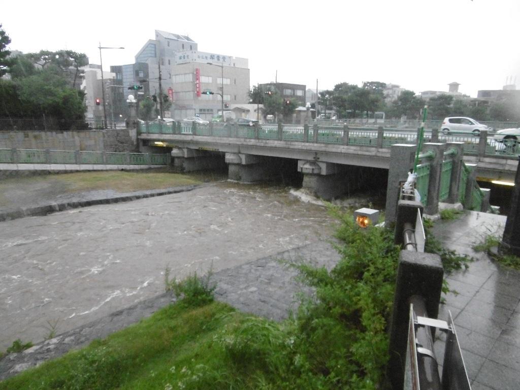 雨台風_f0205367_19100993.jpg