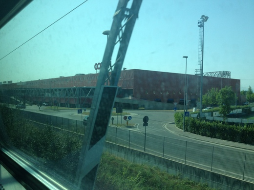 イタリアの車窓から ピサ中央駅ーエンポリ_a0136671_11273918.jpg