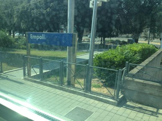 イタリアの車窓から ピサ中央駅ーエンポリ_a0136671_11322264.jpg