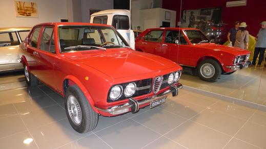 67y Alfaromeo Giulia Sprint GT Veloce and 70y Giulia GT junior1.3_a0129711_14512713.jpg