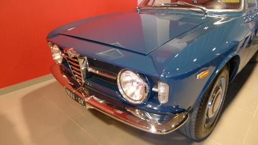 67y Alfaromeo Giulia Sprint GT Veloce and 70y Giulia GT junior1.3_a0129711_14525928.jpg