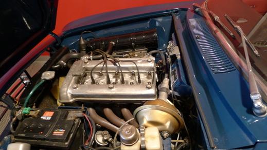 67y Alfaromeo Giulia Sprint GT Veloce and 70y Giulia GT junior1.3_a0129711_14532015.jpg