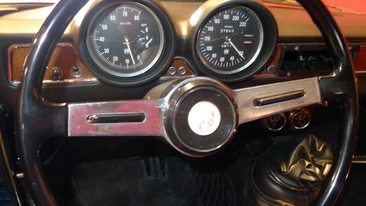 67y Alfaromeo Giulia Sprint GT Veloce and 70y Giulia GT junior1.3_a0129711_1454946.jpg