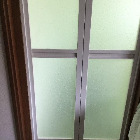 浴室折れ戸の交換_f0031037_2015331.jpg