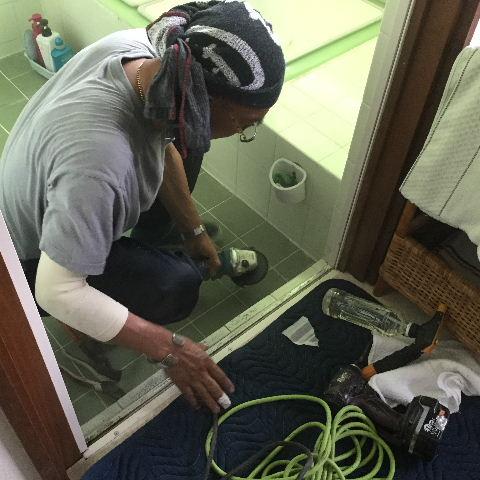 浴室折れ戸の交換_f0031037_20161318.jpg