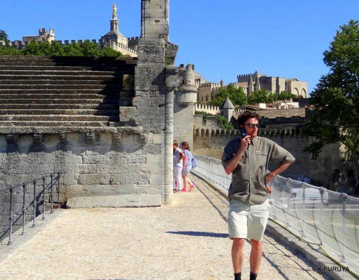 フランス周遊の旅 7 アヴィニョンの橋の上で♫_a0092659_00030390.jpg